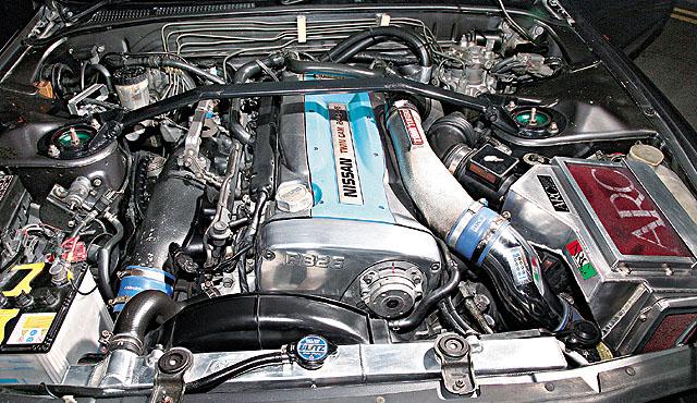 RB26DETT 引 擎 , 最 大 �R 力 280 匹 , 重 改 後 要 有 800 匹