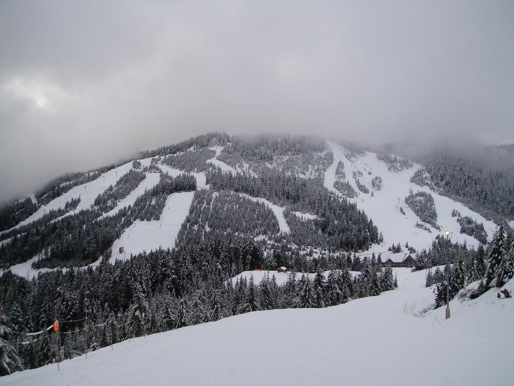 雾中的blcak Mt..jpg