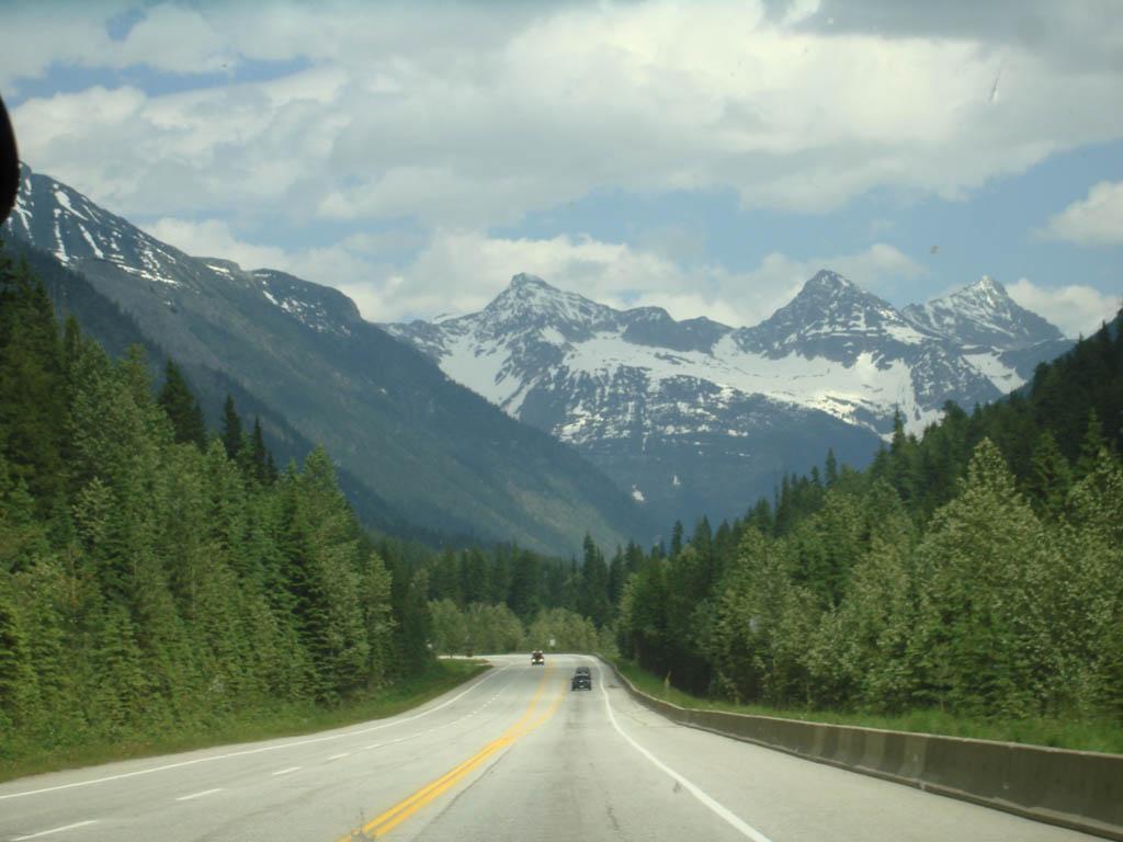 开始进入落基山脉,和其他地方的山就是不一样