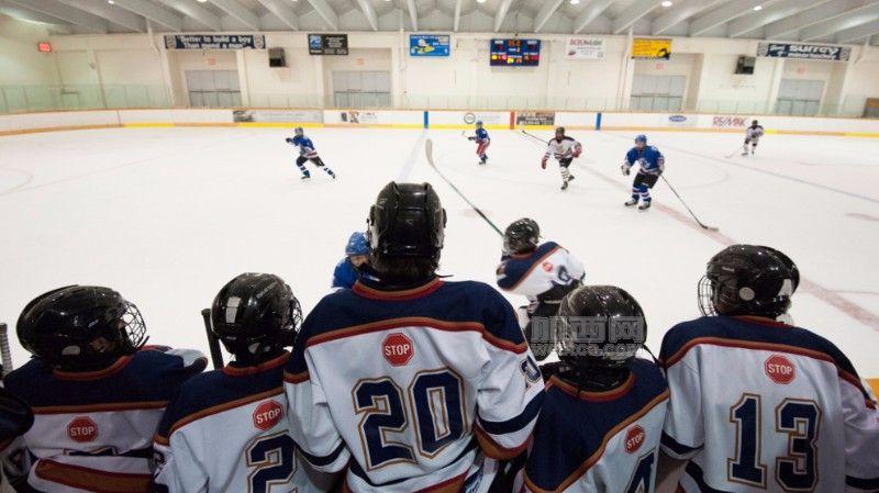HockeyinSurrey.jpg.jpg