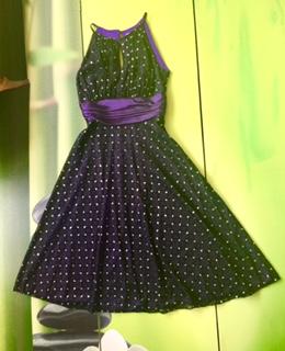 FullSizeRender紫裙.jpg