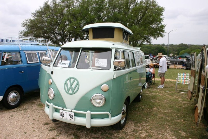 1200px-VW_Camper.jpg